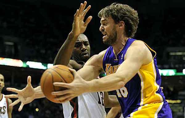 38341930f Fábio Sormani notícias sobre basquete no Brasil e no mundo » Andrew Bynum