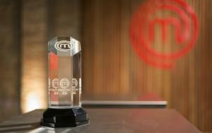 Vencedor leva o Troféu Masterchef, R$ 150 mil, um curso em Paris e vale-compras de R$ 1 mil por mês por um ano