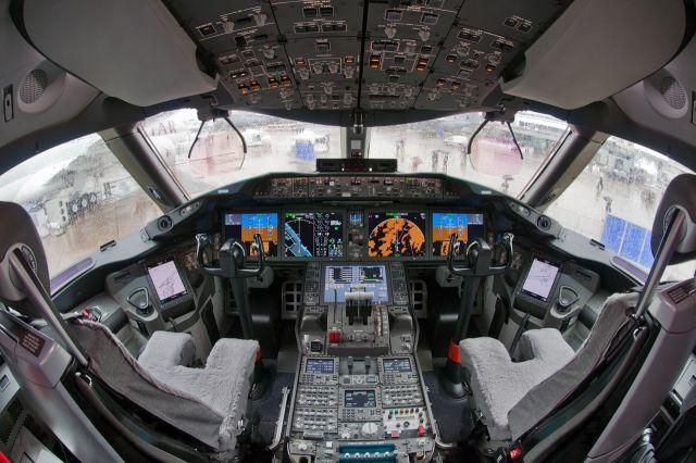 cockpit_12