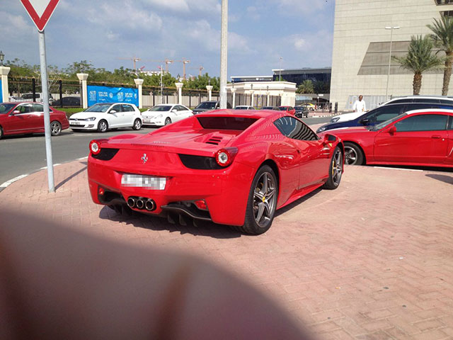 dubai_parking_lot_20