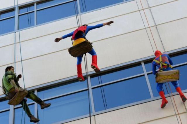superhero_windows_cleaners_03