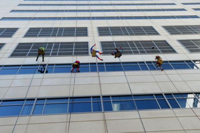 superhero_windows_cleaners_04