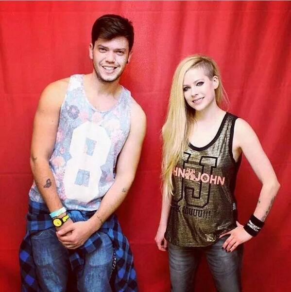 meet_greet_avril_04