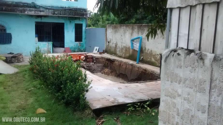 piscina_roubada_01
