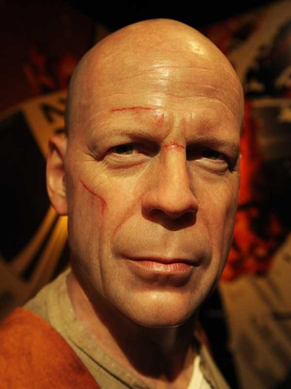 hollywood-stars-lifelike-wax-figures-10