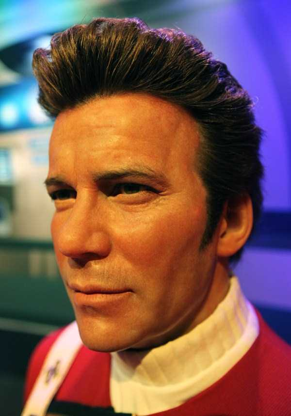 hollywood-stars-lifelike-wax-figures-24