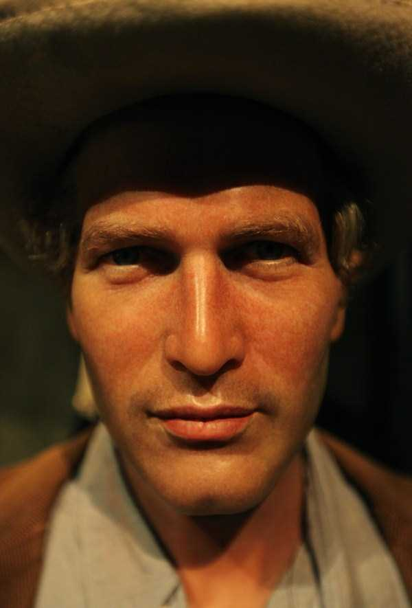 hollywood-stars-lifelike-wax-figures-35