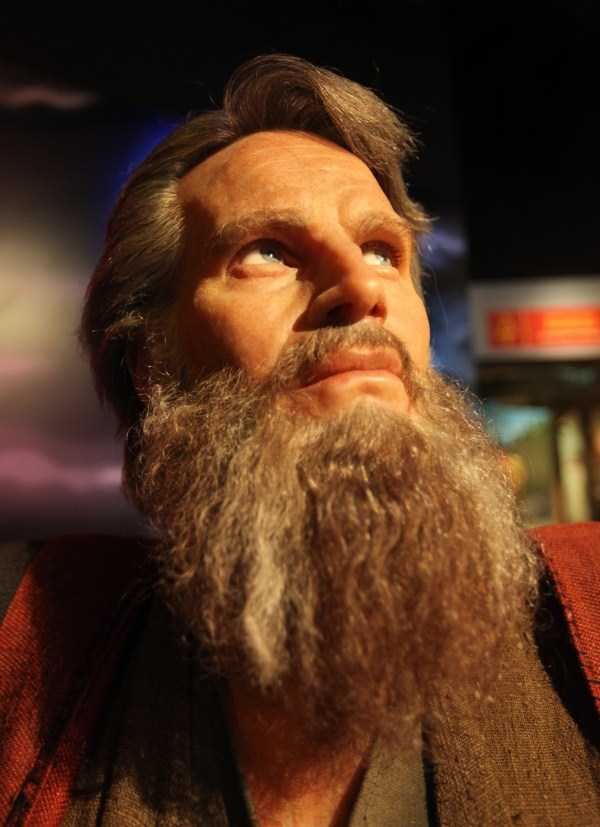 hollywood-stars-lifelike-wax-figures-40