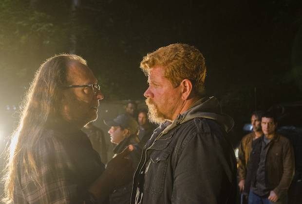 >>> NOT TO BE USED UNTIL 10/24/16 at 1:00 AM EST <<< BTS, Executive Producer Greg Nicotero, Michael Cudlitz as Sgt. Abraham Ford - The Walking Dead _ Season 7, Episode 1 - Photo Credit: Gene Page/AMC