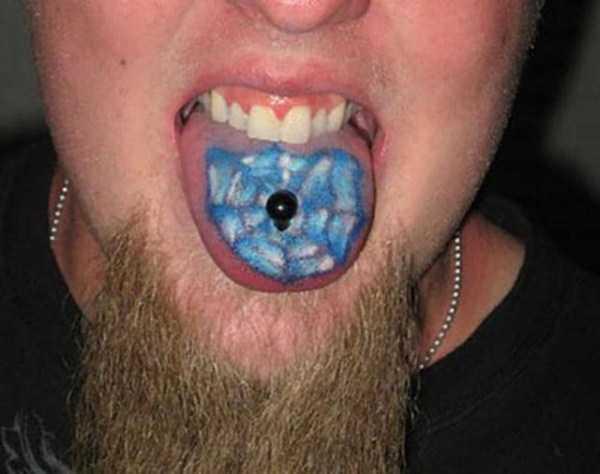 ridiculous-tongue-tattoos-23