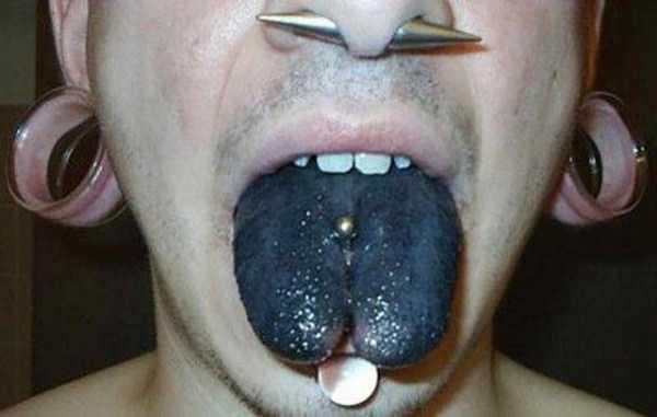 ridiculous-tongue-tattoos-29